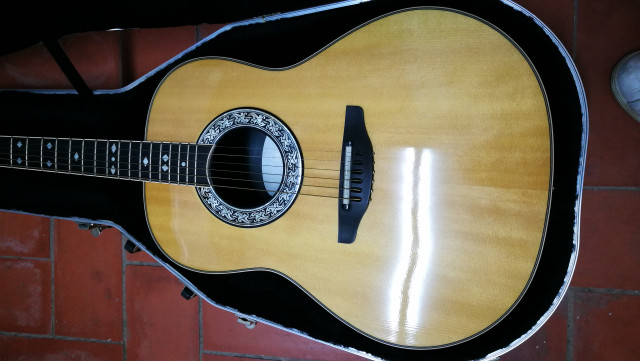 Ovation Legend 1717