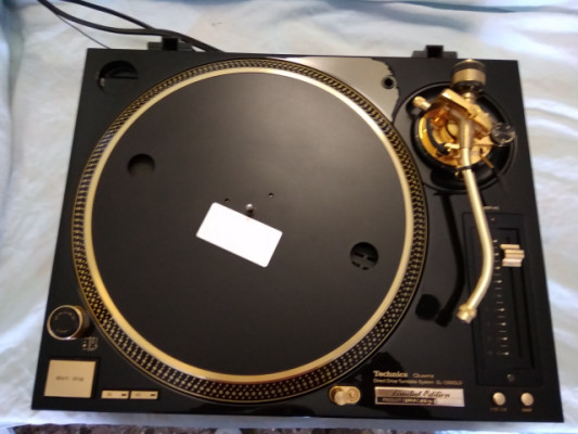 Pareja de Technics SL-1200GLD Gold Edition