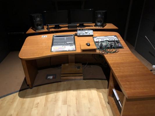 Mueble para estudio Digi002, Mackie HUI
