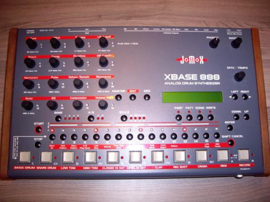 Jomox 888.