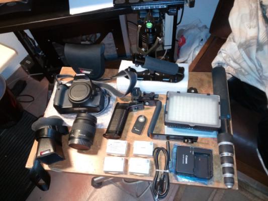 Canon EOS 600D + Extras