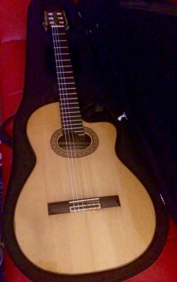 Guitarra electro clásica Prudencio Sáez mod 90 cutaway
