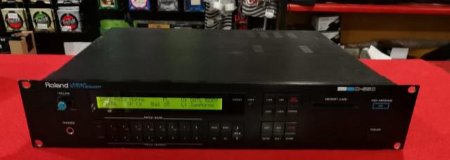 ROLAND D-550 + bancos de sonidos
