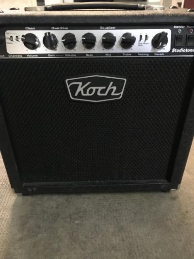 Amplificador Koch Studiotone 20w valvulas clase A
