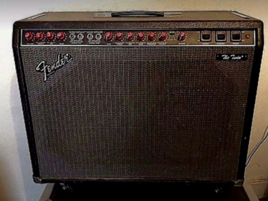 "Amplificador Fender Twin ""Red Knob"" 100w"