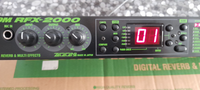 Reverb & Multi effetcts Zoom RFX-2000