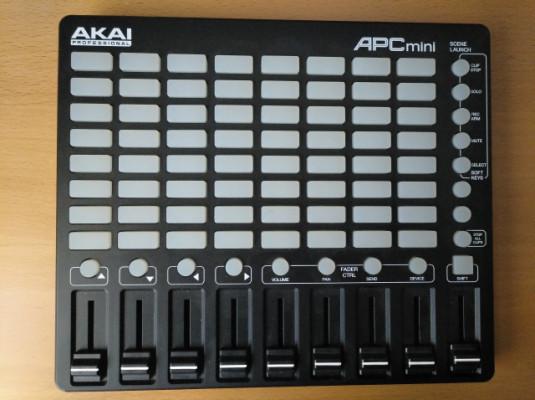 Controladora midi Akai Apc Mini para Ableton