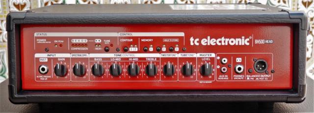 TC Electronic BH 500 Cabezal de bajo y 2 Pantallas 2x10