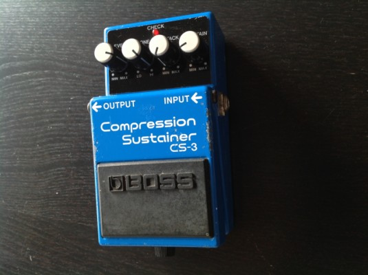 Pedal Boss CS-3 Compression Sustainer etiqueta negra.