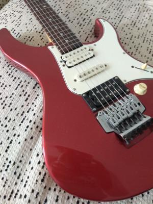 Guitarra Yamaha Pacifica 621 años 90