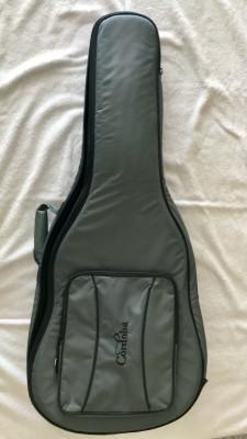 Estuche blando marca Córdoba, para guitarra acústica