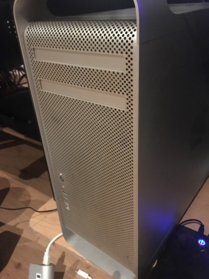 Mac pro. 2x 2,66 dual core.
