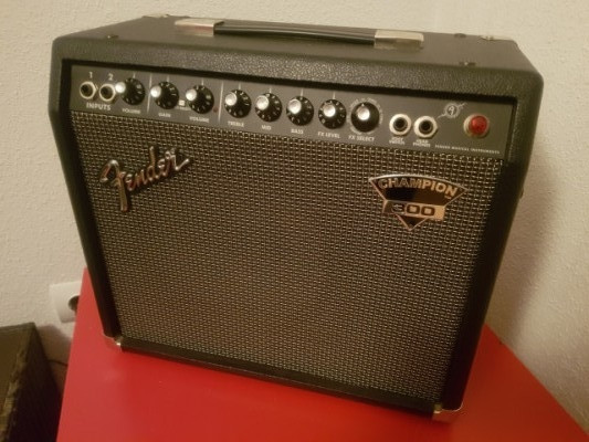 Fender Champion 300 30W