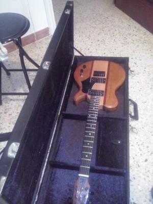 SLS Custom guitarron de luthier