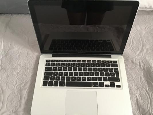 """Macbook 13"""" año 2010"""