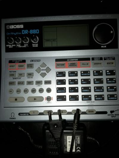 Boss DR880 caja de ritmos