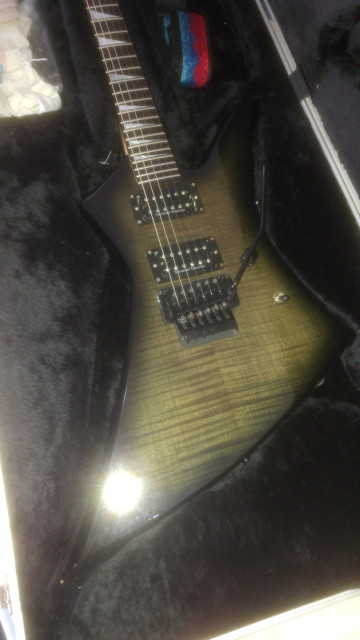 Cambio 2 guitarras (Esp/Ltd Viper y Jackson Kelly Ke3 Pro) por una electrica de 6 o 7 cuerdas o por guitarra acústica