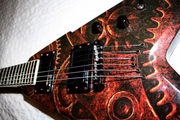 Vendo/Cambio DEAN VMNT 'Gears Of War' D. Mustaine Signature Model