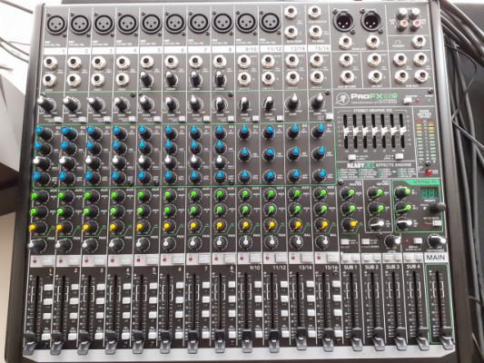 Mackie ProFx 16 V. 2 .  nueva