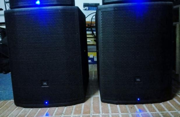 Pareja de subgraves JBL PRX 818 Wifi (1.500w cada uno)