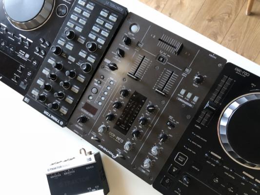 Mesa de mezclas Pioneer DJM 400