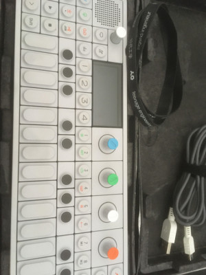 OP-1 Impecable! muy muy muy poco uso!