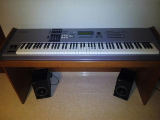 Teclado sintetizador Yamaha motif es8