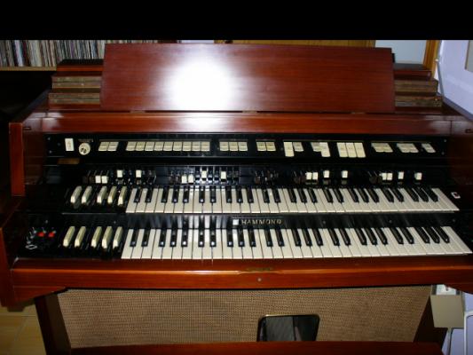 Hammond H100  1968 (Upgrading Hammond B3)