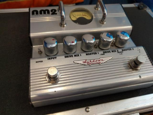 Ashdown NM2 Doble distorsión pedal Bajo