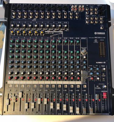 Vendo Mesa de Mezclas Yamaha Mg166cx-usb (190 €).