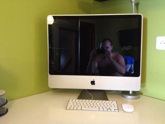 "iMac 24"", Core 2 Duo 3.06 ghz, 4 GB RAM, 1 TB, NVIDIA 512MB"