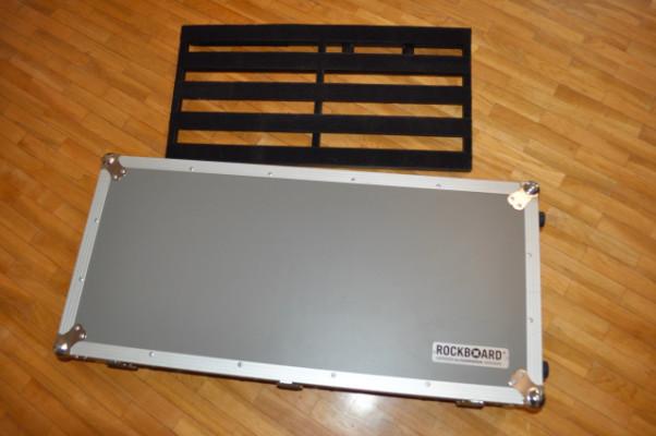 Rockboard Arena pedalboard + flight case