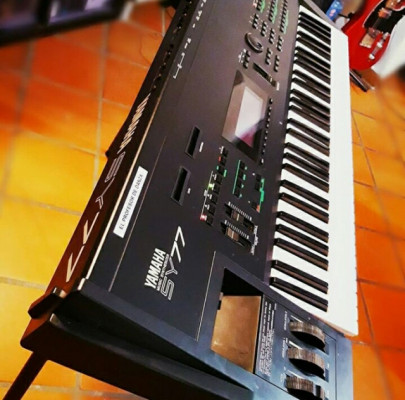 Yamaha SY77 impecable