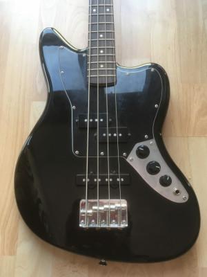 Bajo Fender Jaguar