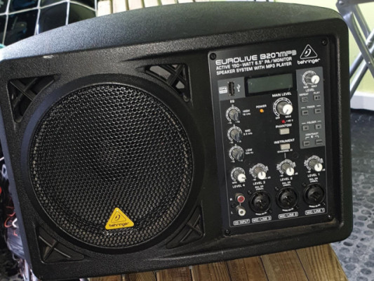 Monitor Behringer B207 MP3