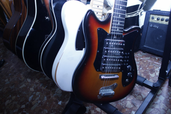 Guitarra vintage tipo teisco Made in In Taiwan