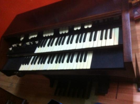 Organo Hammond L122
