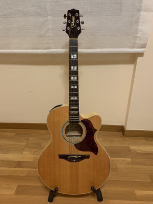 Guitarra electroacústica TAKAMINE EG523SC