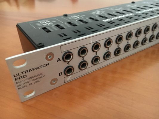 Behringer ULTRAPATCH PX2000
