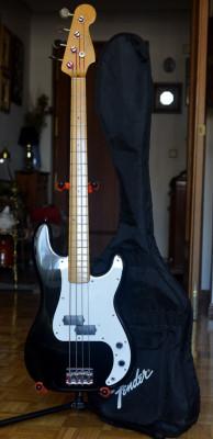 Bajo Fender Precision Japan