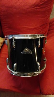 Tom, bongos y dos soportes ajustables para toms batucada