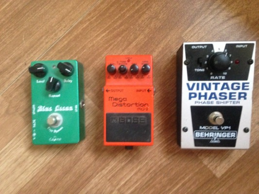 3 pedales, boss md2, caline blue ocean y phaser
