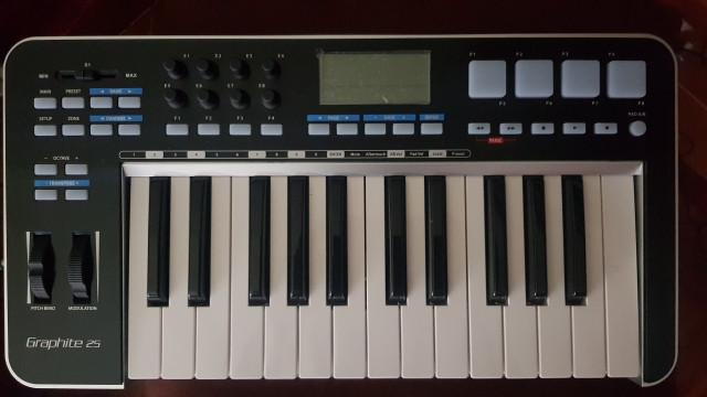 Samson GRAPHITE 25 - Controlador MIDI sólo en agosto