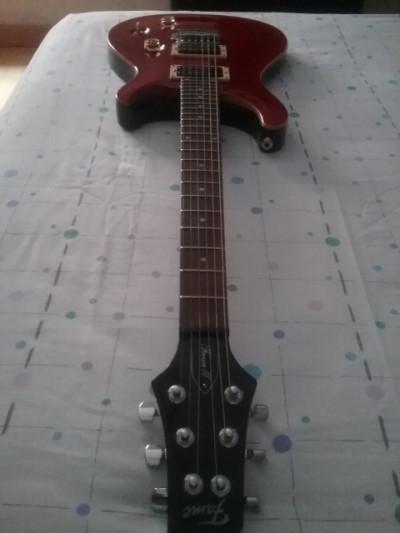Guitarra eléctrica FAME FORUM III