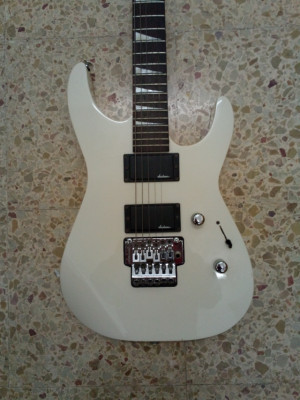 Cambio esta guitarra jackson ideal rock