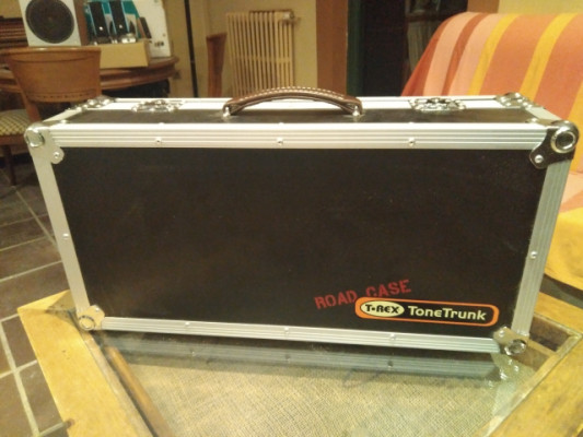 T-Rex ToneTrunk 70 Pedalboard