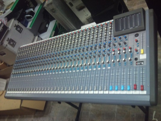 mesa de sonido 32ch IDONE