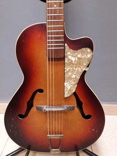 Guitarra Archtop antigua