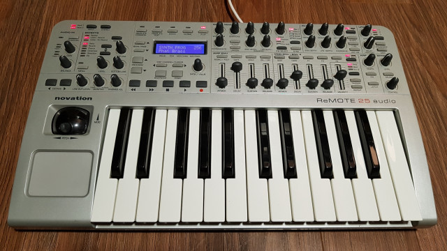 Novation X - Station Remote 25 Audio