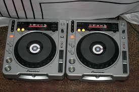 2 x Pioneer cdj 800 + 1 x Pioneer DJM 600 + Flightcase